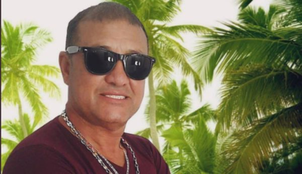 """Joe Urquijo, cantante original de """"La Rebelión"""" fallece por Covid-19"""
