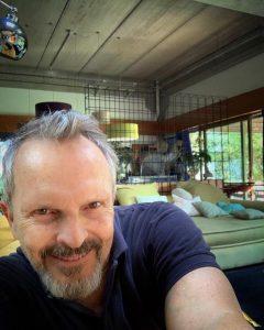 Miguel Bosé crea controversia y es censurado en Twitter