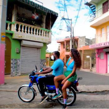 """YEИDRY lanza su nuevo sencillo y video """"SE ACABÓ"""" junto a MOZART LA PARA"""