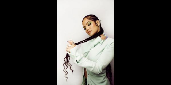 """Lee más sobre el artículo """"NOCHES EN MIAMI"""" de NATTI NATASHA es la canción más escuchada en la radio de Estados Unidos"""